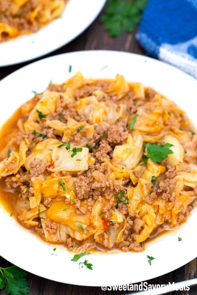 Turkish stew with cabbage