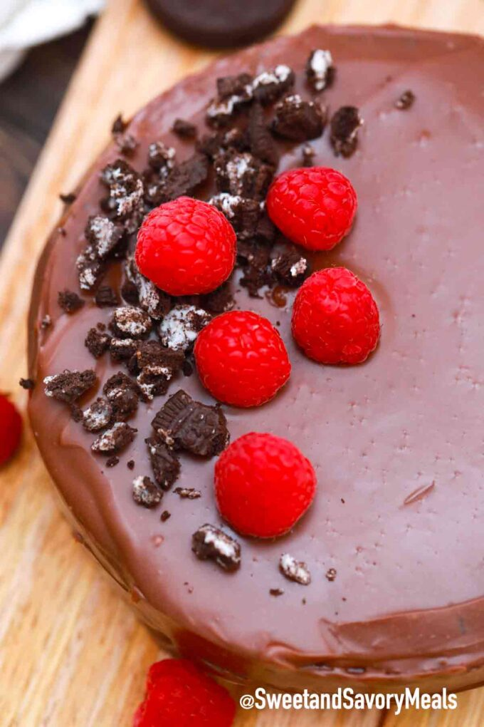 5 ingredient chocolate cake with raspberries