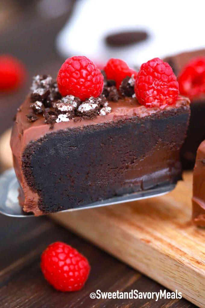 5 ingredient chocolate cake slice