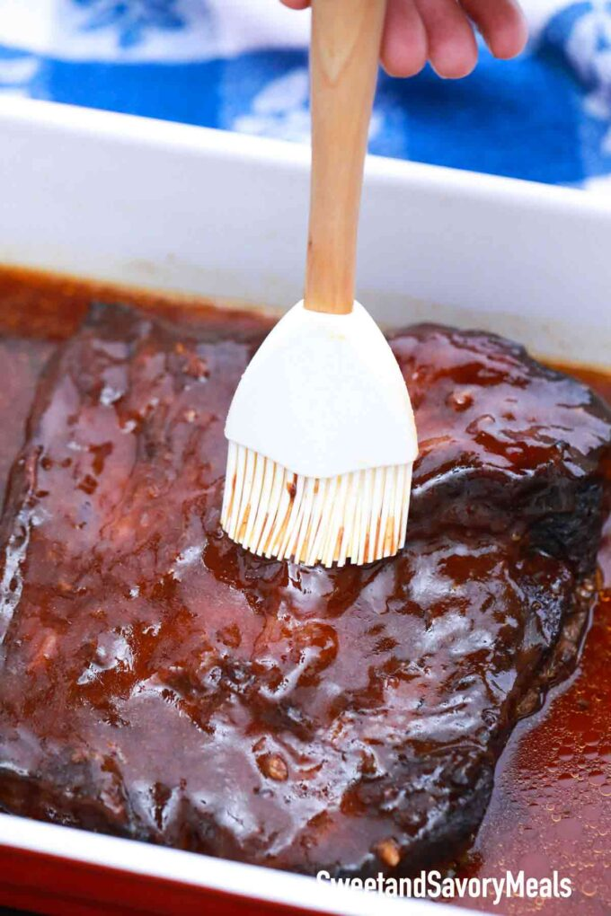 beef brisket with barbecue sauce