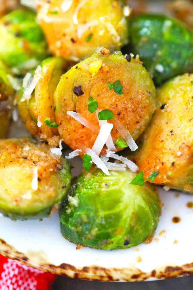 air fryer parmesan brussel sprouts