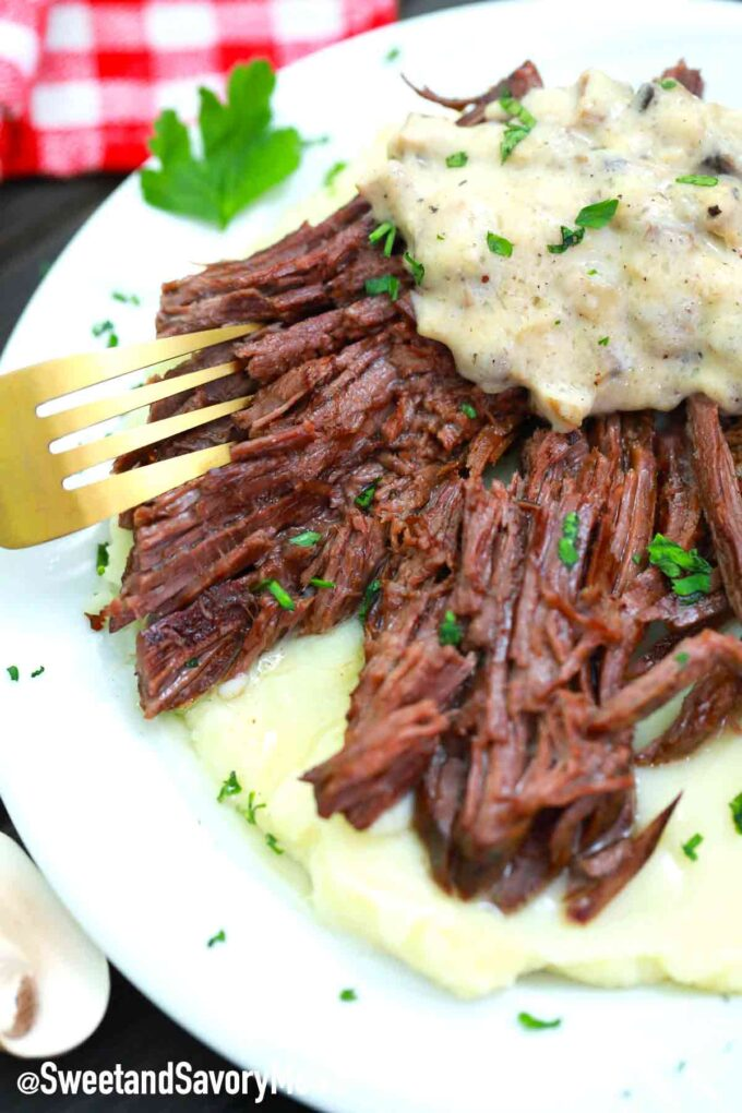 Swedish pot roast with mashed potatoes