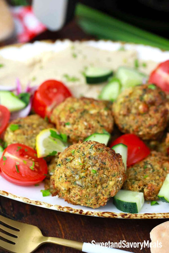 air fryer falafel with hummus
