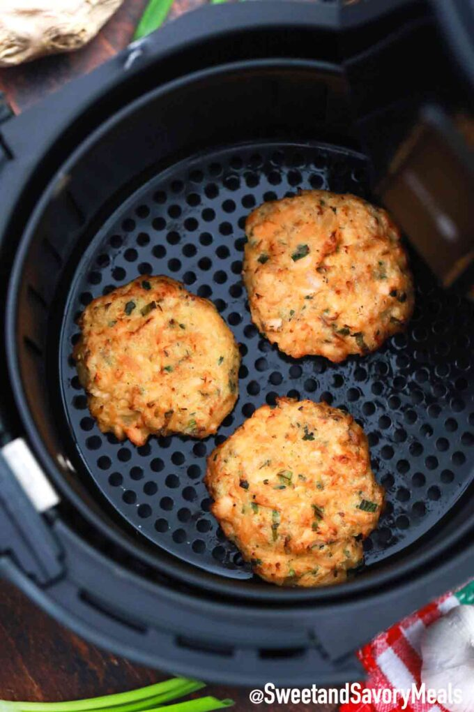 cooking air fryer salmon cakes