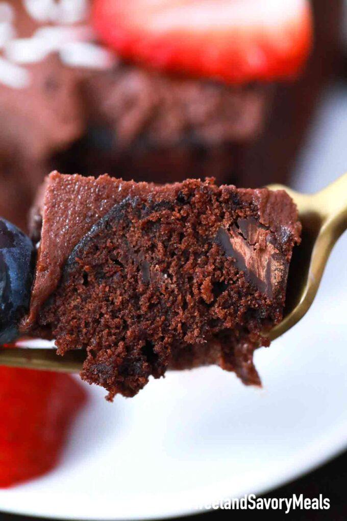 pressure cooker chocolate cake bite