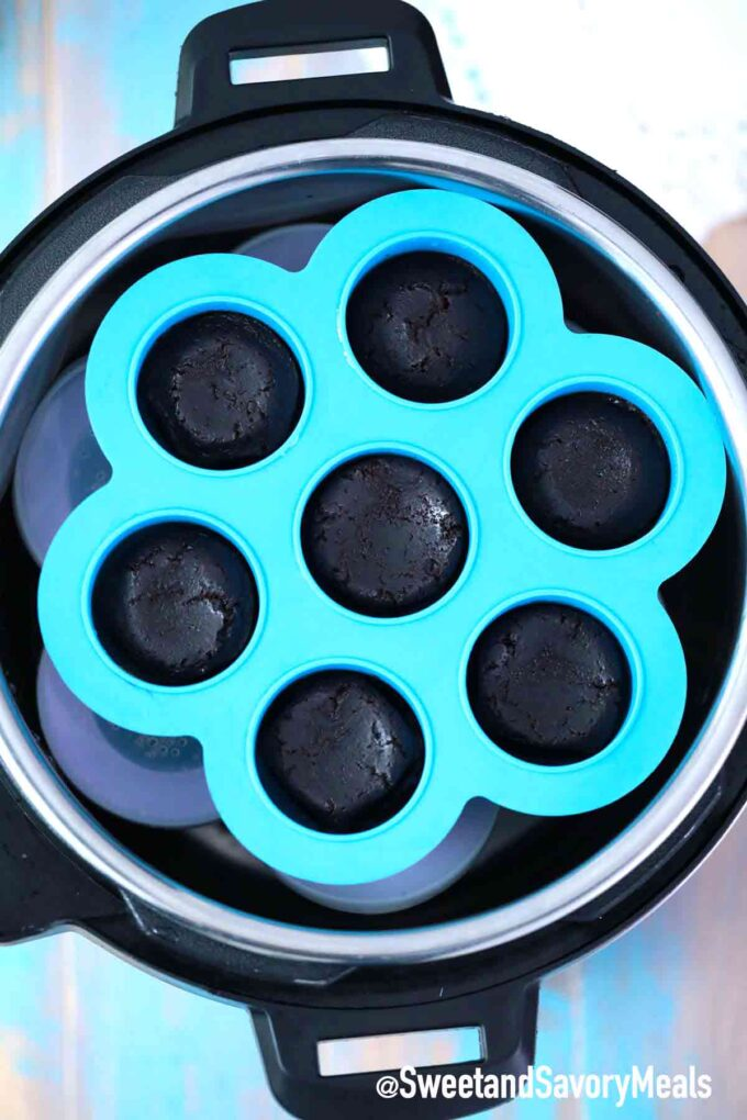 instant pot brownie bites in silicone mold