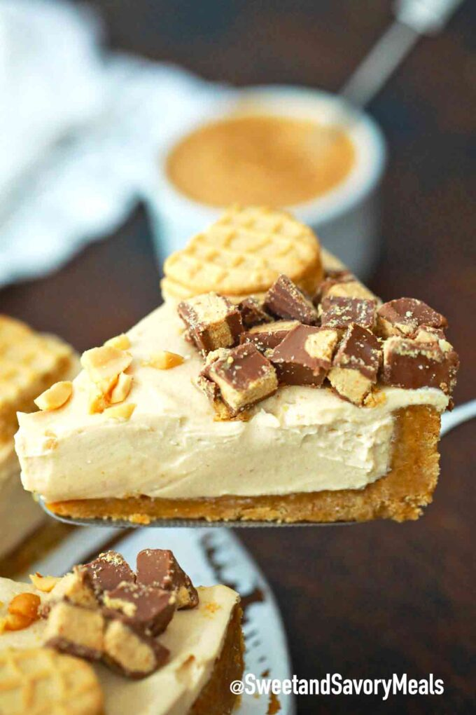 peanut butter pie topped with chopped peanut butter cups