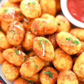 crispy gnocchi with marinara sauce