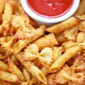 pasta chips with dipping sauce