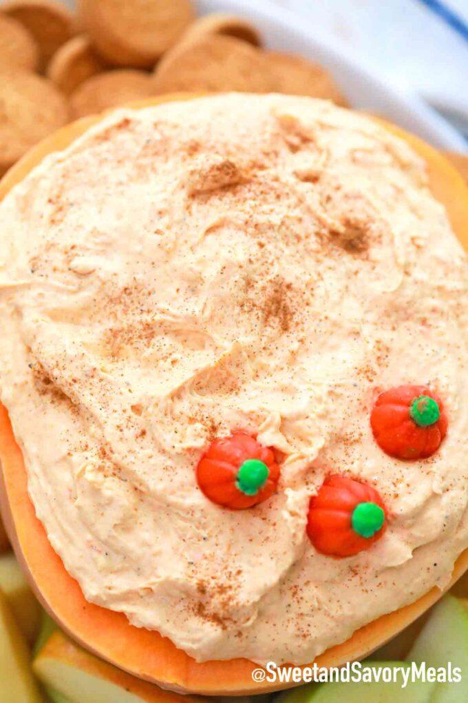 pumpkin pie dip with pumpkin candies
